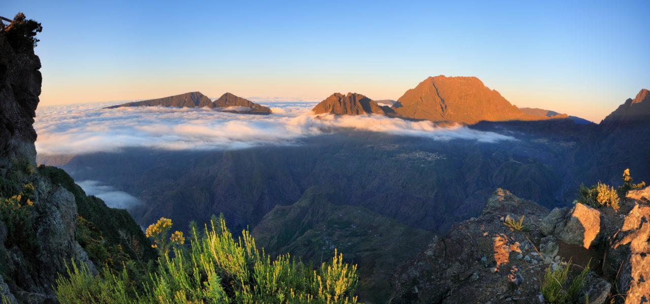 Mer de nuage au dessus du Maïdo à la Réunion